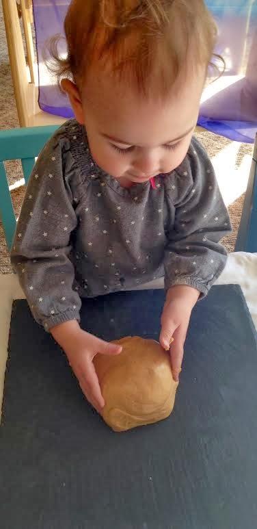 The Best Edible Peanut Butter Playdough, Peanut Butter Dough, How To Make The Best Homemade Playdough Recipe, 30+ Playdough Recipe Ideas, Edible sensory play, How to Make Edible Peanut Butter Play Dough, fun, easy, and YUMMY Playdough recipes, DIY playdough recipes