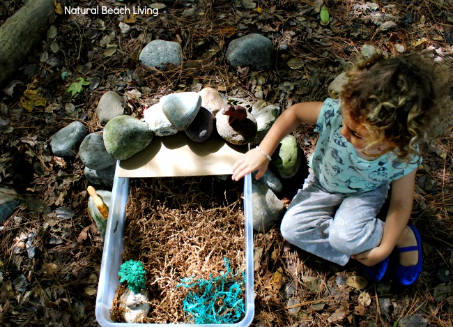 Cool Cave Small World Sensory Play. This is such a great idea for a sensory activity for kids. www.naturalbeachliving.com