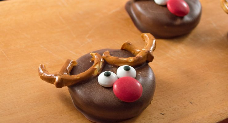 The Most Adorable Chocolate Covered Reindeer Holiday Cookies