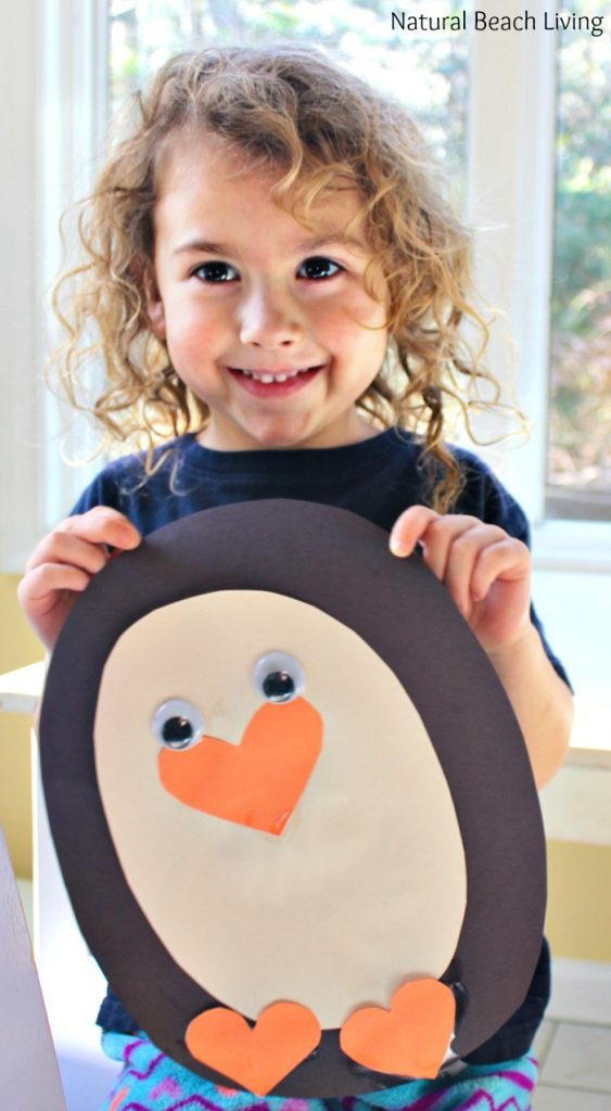 25 AWESOME WINTER PRESCHOOL ACTIVITIES AND FREE PRINTABLES, Sensory play, Montessori, Preschool Math, Winter crafts for preschoolers, Preschool activities