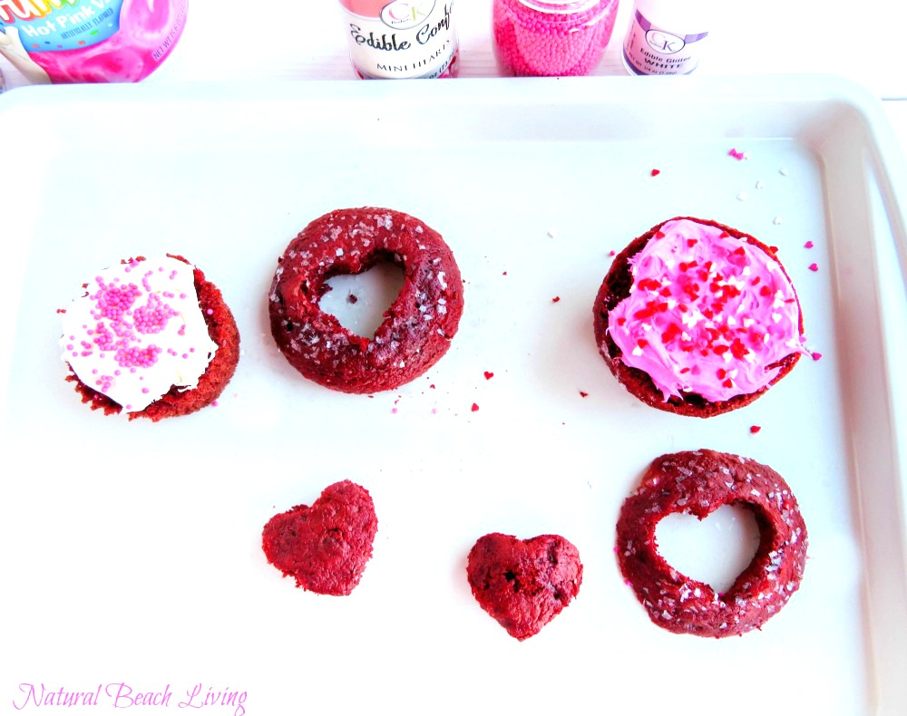 Easy to make Red Velvet Cupcake Ideas Perfect for Valentine's Day, Cooking with Kids, Delicious Red Velvet Cupcakes, Valentine's Desserts