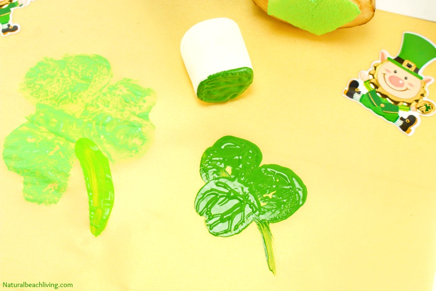 St Patricks Day Crafts Part - 32: Kindergarten And Preschool St. Patricku0027s Day Crafts, Shamrock Stamping,  Rainbow Crafts, Hands