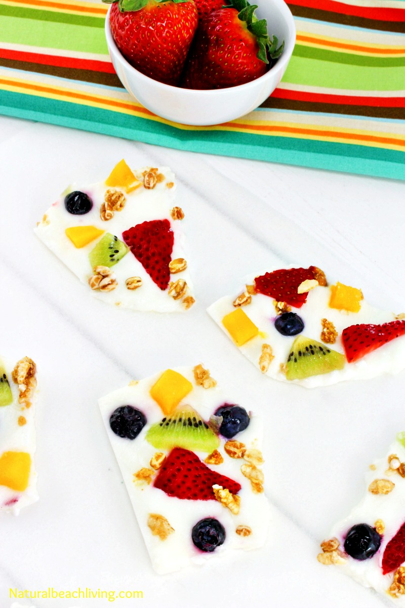The Most Amazing Frozen Yogurt Bark Recipe, Frozen Yogurt Fruit Bark with Granola, Perfect Breakfast recipe, Healthy recipe, Delicious Food for Kids