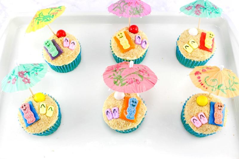 Summer Themed Cupcakes, Beach Cupcakes, Beach themed cupcakes, A fun Summer Party food idea, Birthday Party Cupcakes, Ocean Them Party idea, Beach Party