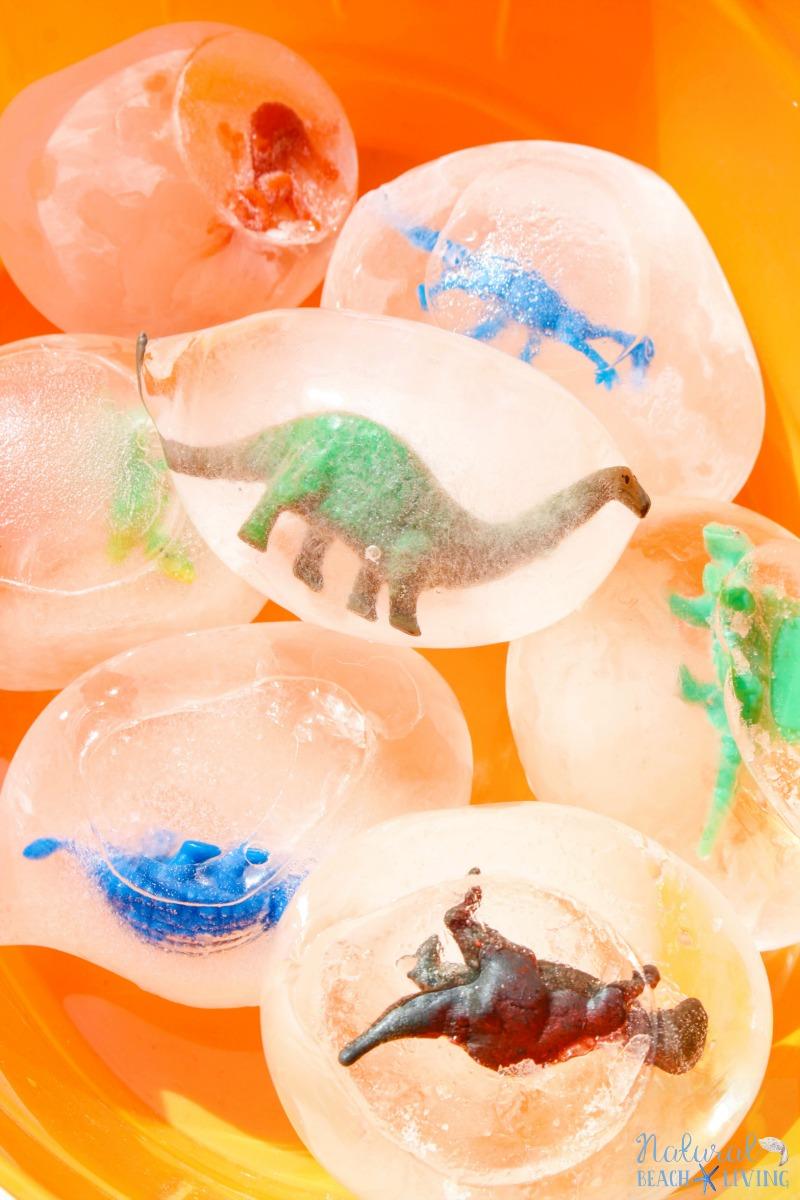 How to Make Frozen Dinosaur Eggs Kids Love, Excavating Dinosaurs, Dinosaur Activity, Dinosaur Theme, Dinosaur Science, Frozen Sensory Play, Summer ideas