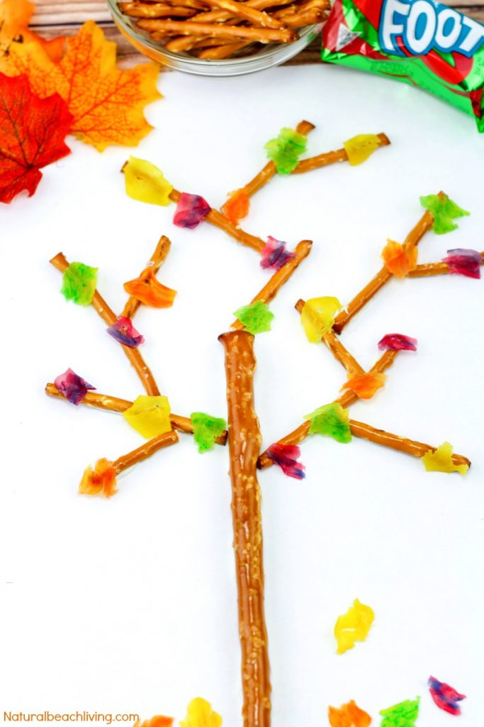 How to Make Fall Snacks Kids Love, Edible Trees, Snacks for Fall, Kids Snacks, Fall Snacks Kids Make, fall snacks for kids, fun kids snack, Leaves Theme