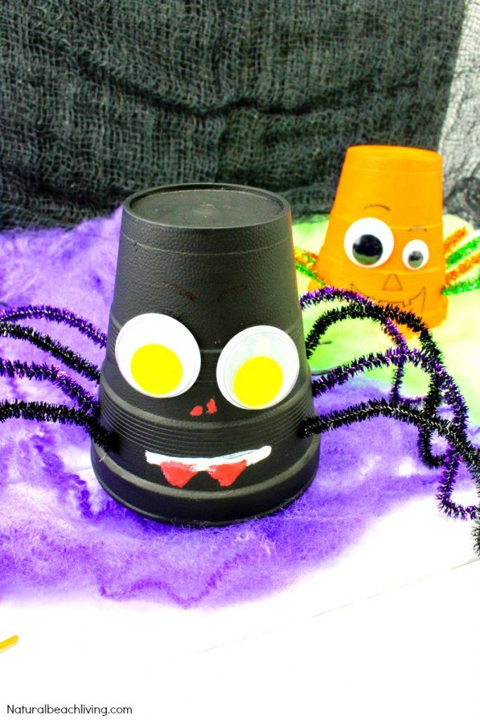 How to Make Halloween Styrofoam Cup Crafts, Easy Pumpkin Craft, Spider Cup Craft, Halloween craft ideas, Halloween Crafts for Kids, Halloween preschool crafts, Dollar store craft ideas, #Halloween #Halloweencraft