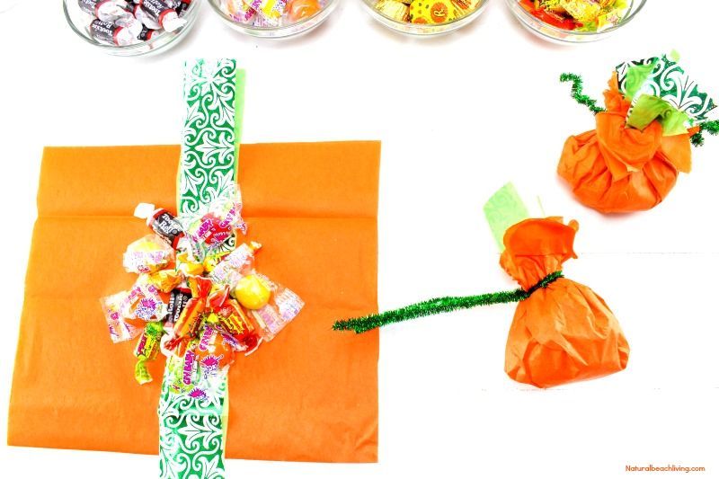 Tissue Paper Halloween Treat Bags, DIY Halloween Treat Bags, Easy Halloween favors, Halloween party ideas, Halloween Goody Bags, Pumpkin theme, Candy bags, Halloween ideas, #Halloween