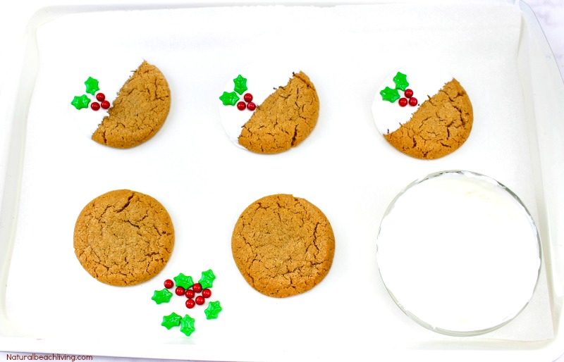 The Best Homemade Gingerbread Cookies Recipe, Perfect Christmas Cookies, Homemade Gingerbread Cookies, Gingerbread Cookies Recipe, White Chocolate Gingerbread Cookies, #cookies #Christmascookies #gingerbread #gingerbreadcookies