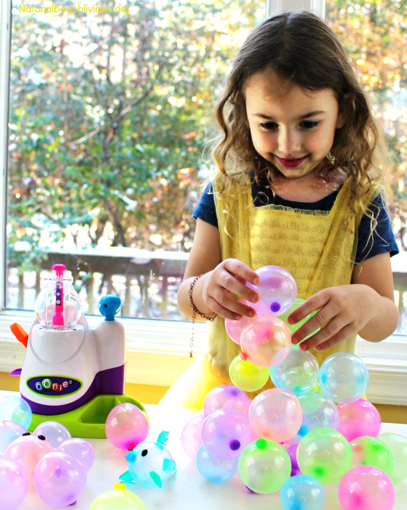 Easy Games, STEM, Imaginative Fun, Ornaments & More with Oonies, Stem activities for kids, Handmade ornaments, Toys for kids, Playdate ideas, Party ideas for kids, #HappyOoniedays #Ooniements #toys #Imaginativetoys