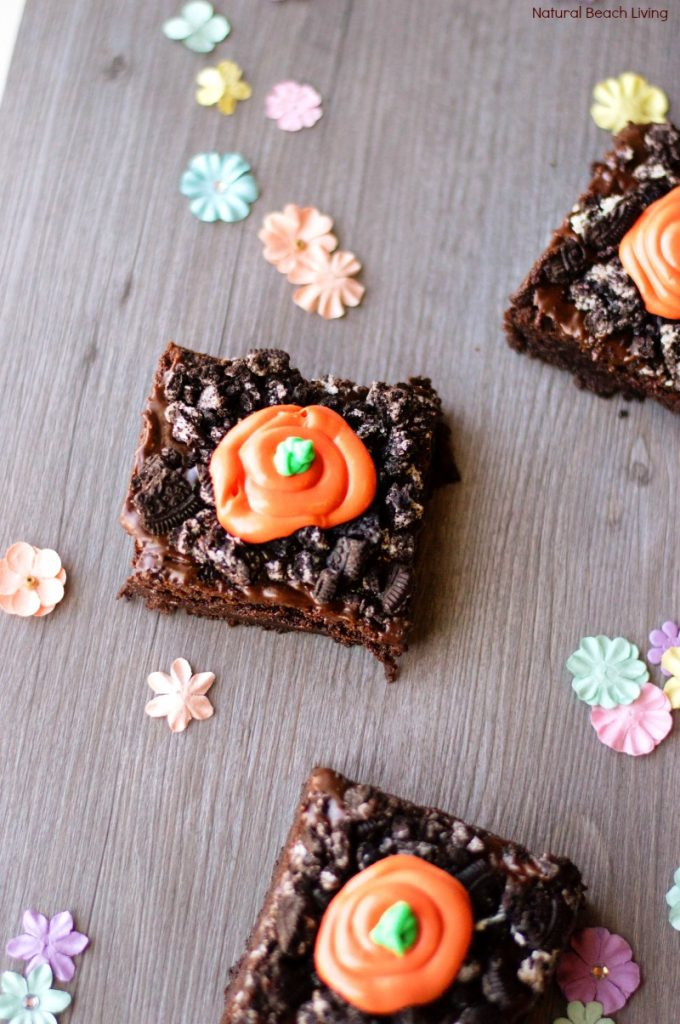 You'll Love These Spring Carrot Garden Brownies, How to Make Spring Carrot Garden Brownies Snacks, Easter Treats, Easter Brownie Recipe, carrot patch brownies recipe, The perfect Spring treat to make every year, A delicious Easter treats to make for kids and adults, Serve these at a spring tea party. Yum!