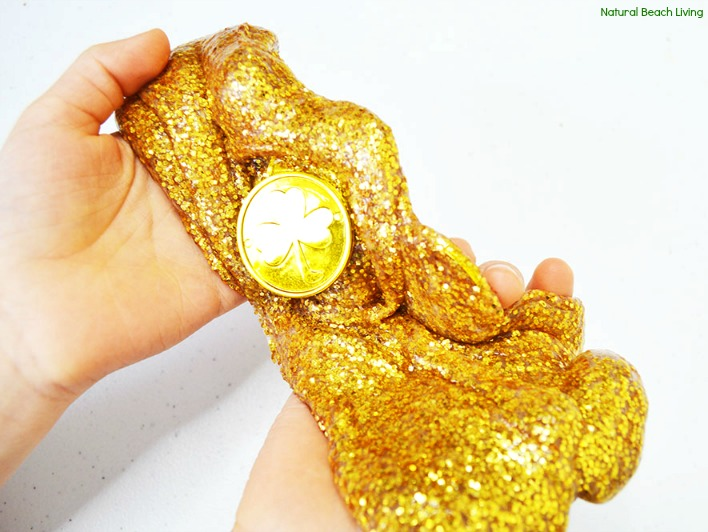 How to Make Slime Recipe with Contact SolutionKids Loves, Gold Glitter Slime, Gold Glitter Contact Solution Slime Recipe or Saline Solution slime with glue! One of the Best Sensory Play for Kids, St. Patrick's Day Slime Recipe, Homemade slime is super easy to make with our slime recipes. The Best Ways to Make Slime, Easy Slime Recipe with Baking Soda #slime #slimerecipe #slimerecipes #stpatricksday #stpatricksdaysensoryplay